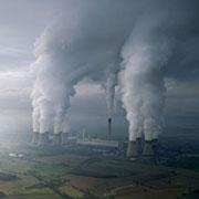 AES Drax i Yorkshire er Englands største kulfyrede kraftværk. AES Drax producerer 7% af Englands elektricitet og udleder herved 22,8 mio. ton CO2 om året eller mere end de 100 mindst industrialiserede lande i verden tilsammen